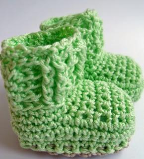 http://translate.googleusercontent.com/translate_c?depth=1&hl=es&rurl=translate.google.es&sl=de&tl=es&u=http://kardiomuffelchen.com/crochet/newborn-booties-crochet-pattern/&usg=ALkJrhj0R-XNAxzGWjtKglJfrwVAzmifQw