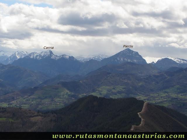 Carriá y Pierzu desde la cima del Pico Moru