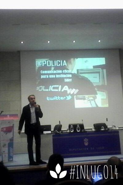 @Policia, Policía, twitter, Carlos Fernández, Community manager, socialmedia, redes sociales, internet