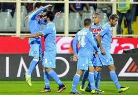 Il Napoli doma la Samp e vola a due punti dalla Roma