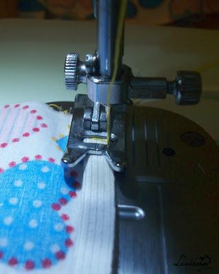 Capa de tecido com rodinhas