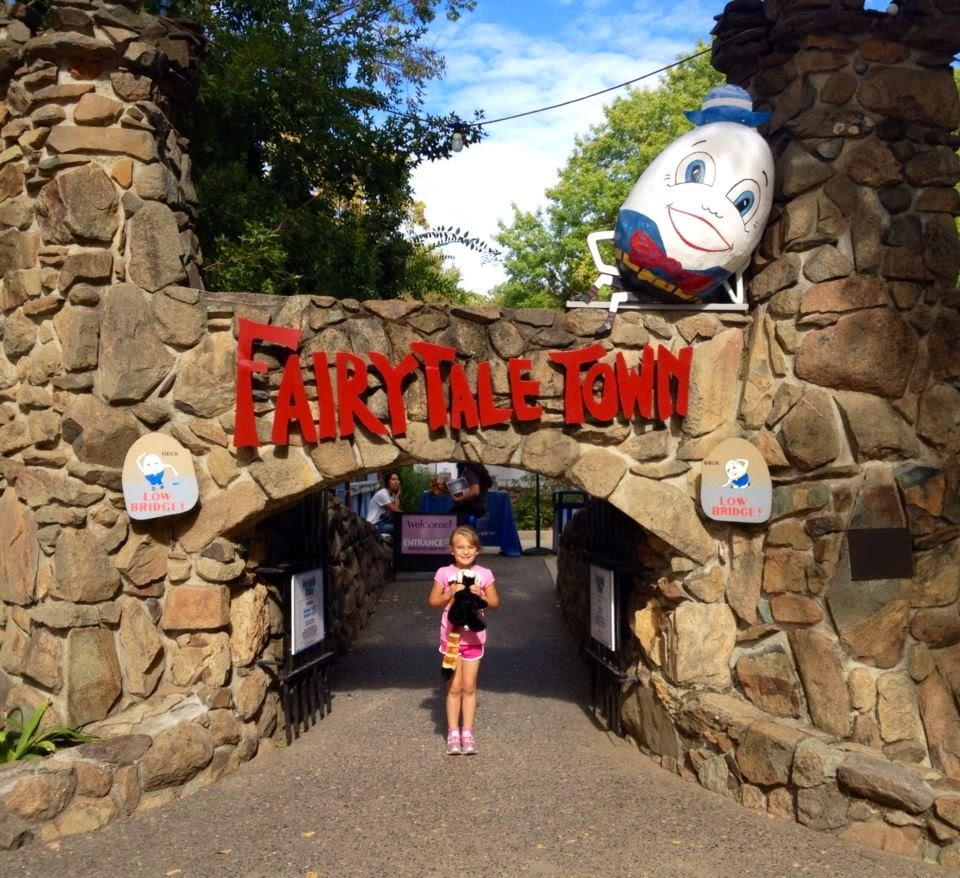 Mary's Musings: The Sacramento Zoo And Fairytale Town