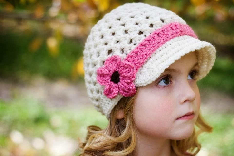 şapka ile cuty kız bebek