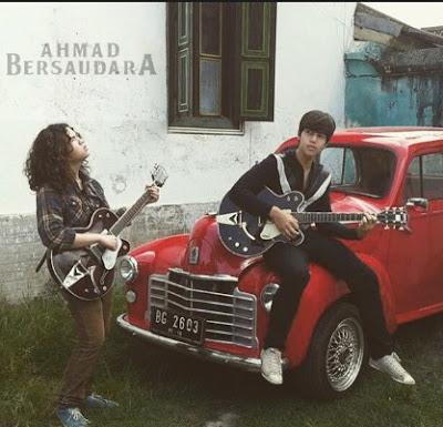 Download Lagu Ahmad Bersaudara Jika Kau Percaya Mp3