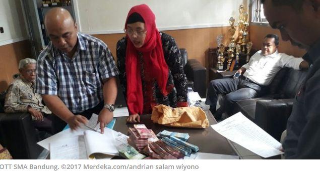 Kepala Sekolah SMAN 27 Bandung Ditangkap Tim Saber Pungli