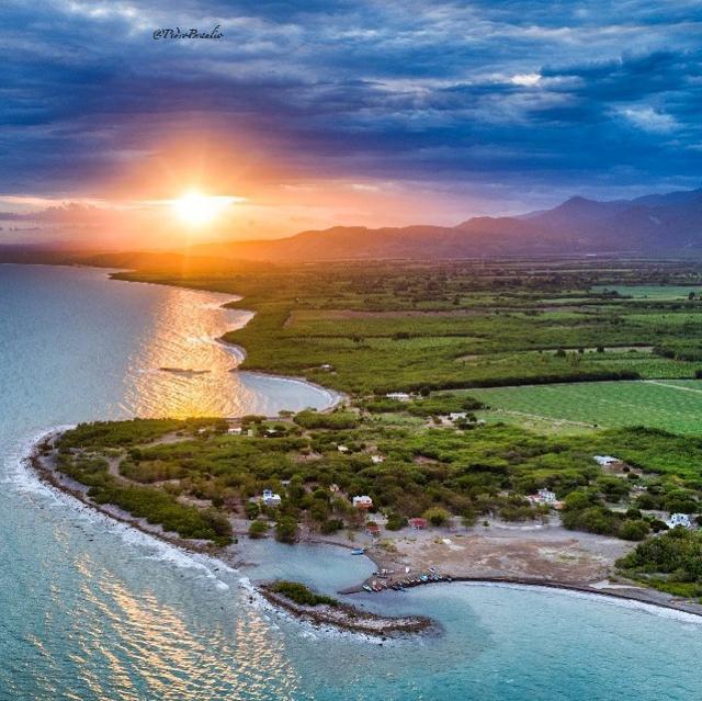 playa Caracoles de la bahía de Azua