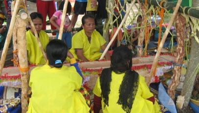 Negara Indonesia mempunyai semboyan yang berbunyi Lembaga Adat di Indonesia