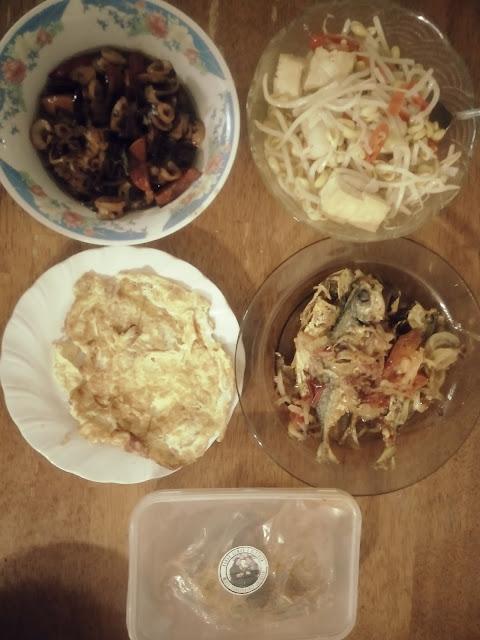 Menu Berbuka Puasa; Resepi Sotong masak kicap; Resepi ikan selar goreng cili padi; Sayur tauge kasar masak air