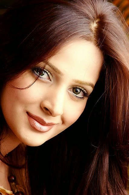 Pakistani Model Saba Qamar Personal Life and Scandal