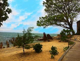 http://www.teluklove.com/2017/04/destinasti-objek-wisata-pulau-kelor-di.html