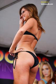 madura nalgona bikini