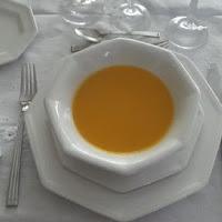 Platos de temporada:Crema fina de calabaza con toque de curry