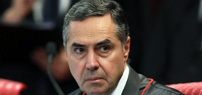 Barroso determina que redes sociais respondam sobre disparos pró-Bolsonaro