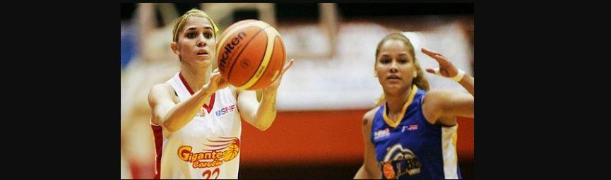 Yesenia Tosado baloncelista