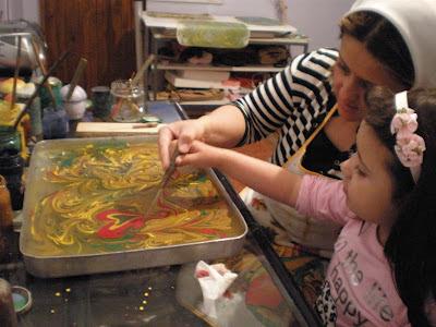 La Magia de Pintar sobre el Agua…. ¡¡¡Ebru para niños!!!