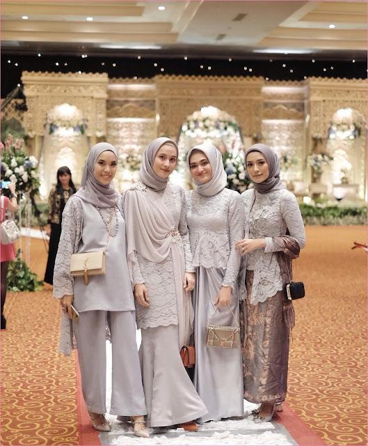 Outfit Baju Bridesmaid Berhijab Ala Selebgram 2018 kebaya celana rok kain brokat kerudung segiempat pashmina diamond hijab square satin ungu pastel ciput rajut high heels wedges slingbags ootd outfit kondangan trendy