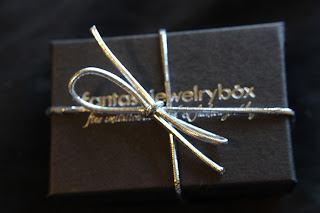{REVIEW} Fantasy Jewelry Box:.