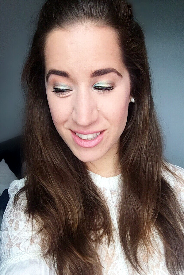 Retro mod 60's inspired Makeup Look - Tori's Pretty Things Blog