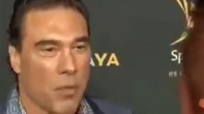 نجم التلفزيون المكسيكي ادواردو يانيز