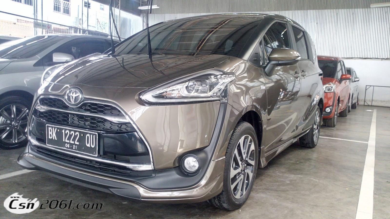 Toyota SIENTA Brown