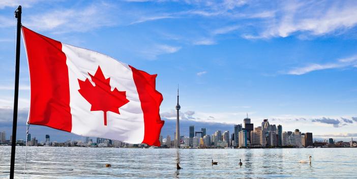 Paisagem e bandeira do Canadá
