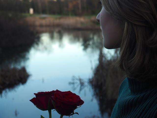 qualitytime-tipps-gegen-langeweile-blog-nachdenklich-see-rose