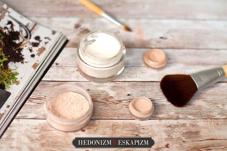 8 błędów przy makijażu