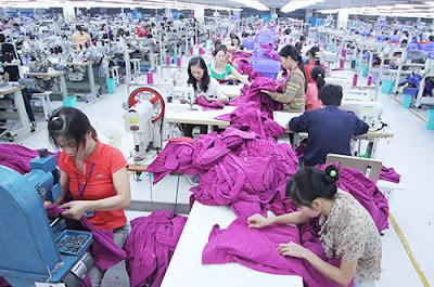 Lao động ngành dệt may, da giày chủ yếu là nữ. Ảnh: Ngọc Thành.