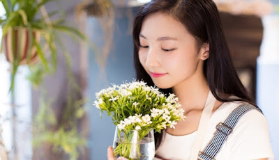 4 Manfaat Luar Biasa Memiliki Bunga Segar Dalam Rumah
