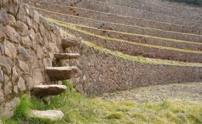 www.xvlor.com Moray is ruins of Inca Empire agricultural laboratory complex