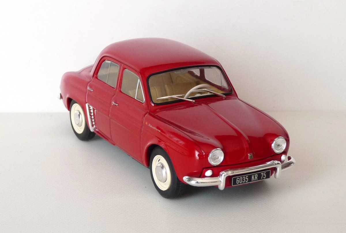 Garage de poche jip renault dauphine 1961 au 1 24 for Garage renault evrecy 14
