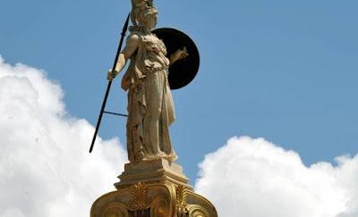 Από τη θεά Αθηνά στην Παναγία των Ελλήνων