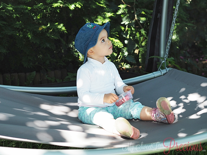 dziecko na hamaku