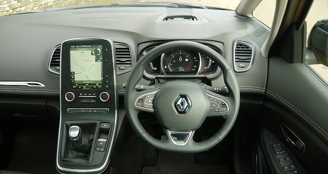 Renault Scenic driver's view