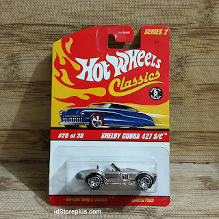 DIECAST HOT WHEELS CLASSICS SERIES 2 SHELBY COBRA 427 S/C CHROME