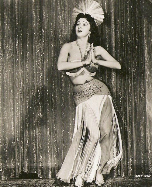 Vintage belly dance looks - Free belly dance classes