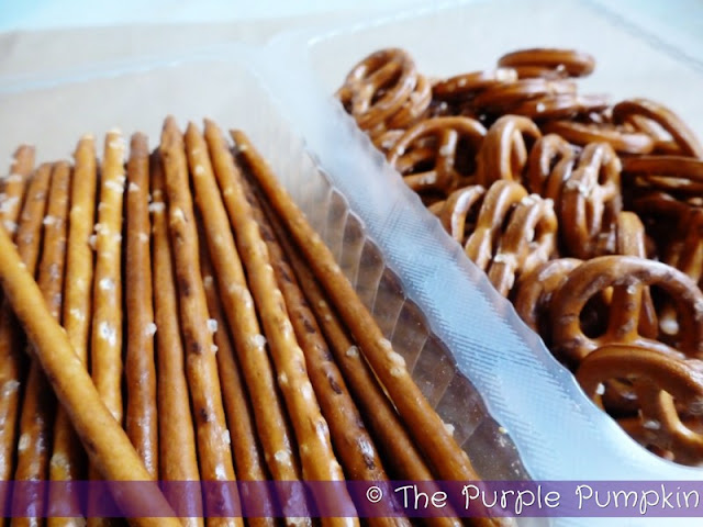 Chocolate Covered Pretzels | The Purple Pumpkin Blog