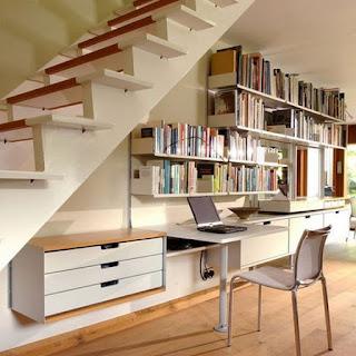 oficina debajo escalera
