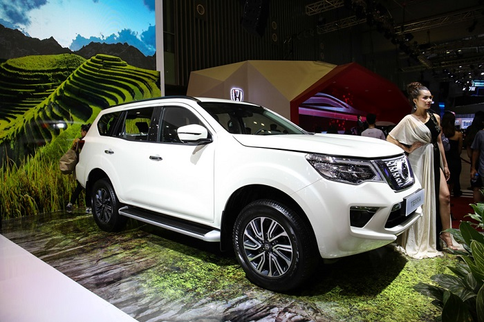 nissan-terra-ra-mat-canh-tranh-toyota-fortuner-o-viet-nam