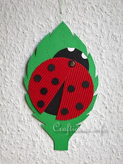 http://www.craftideas.info/html/paper_lady_bug.html