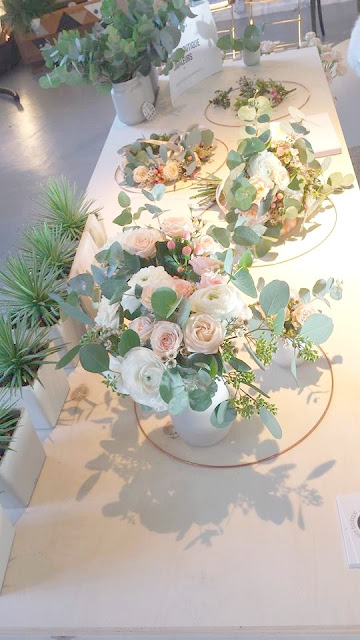 fleuriste mariage Lyon, décoration mariage, fleurs peach, couronne de fleurs, bouquet de mariée