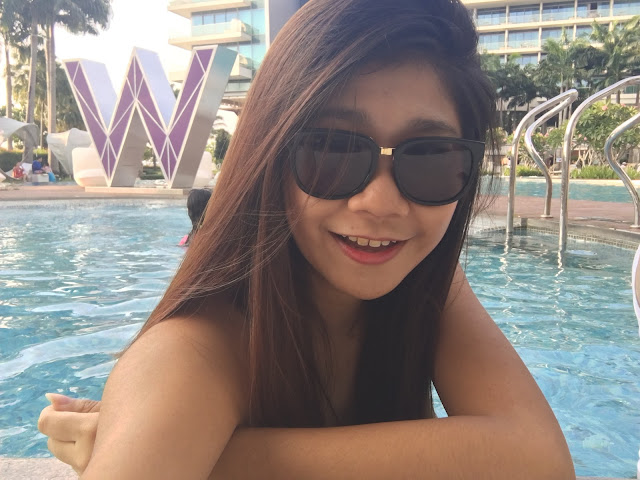 W hotel Poolside