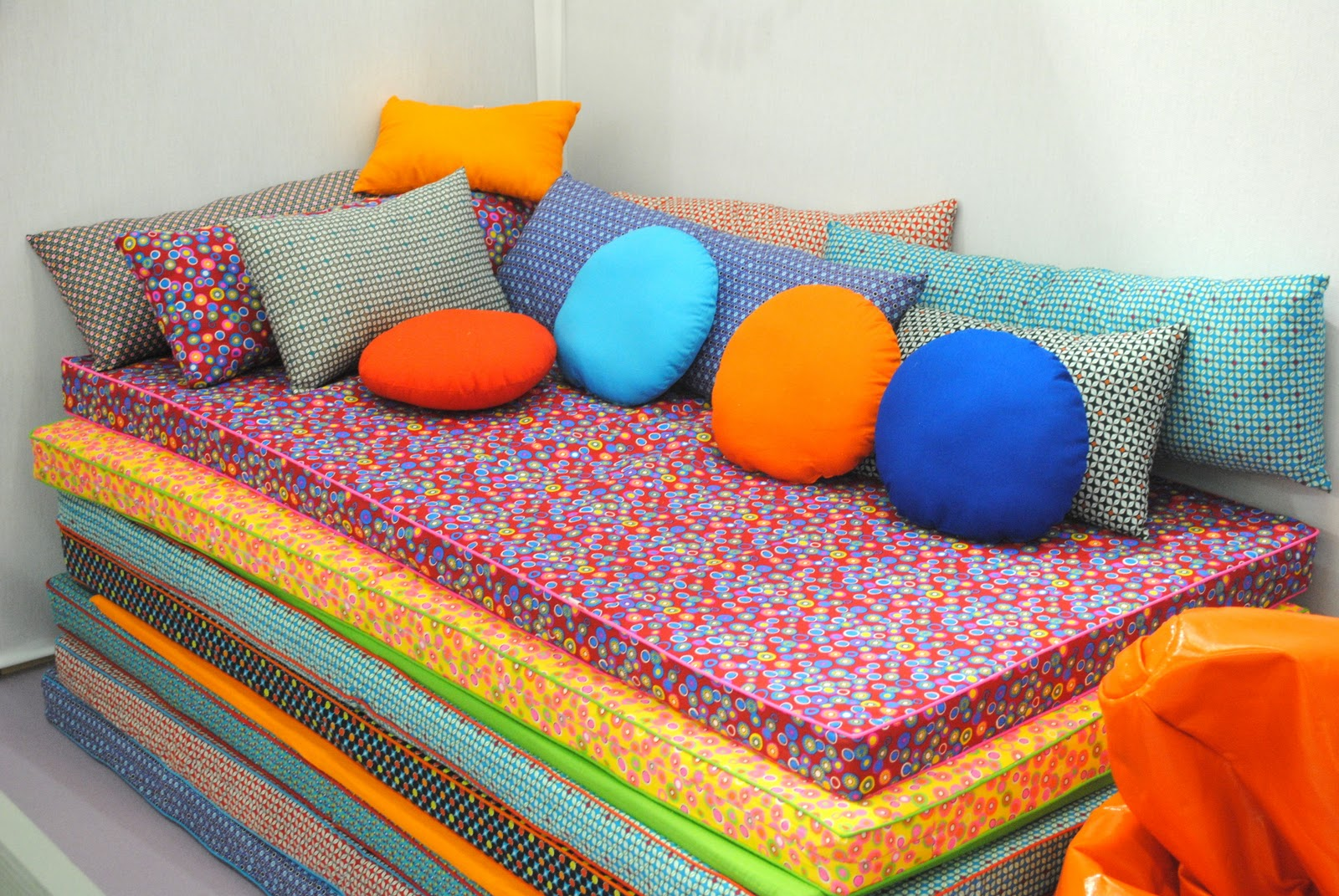 Cute Idea for Kids' Playroom- Foam Mat Couch