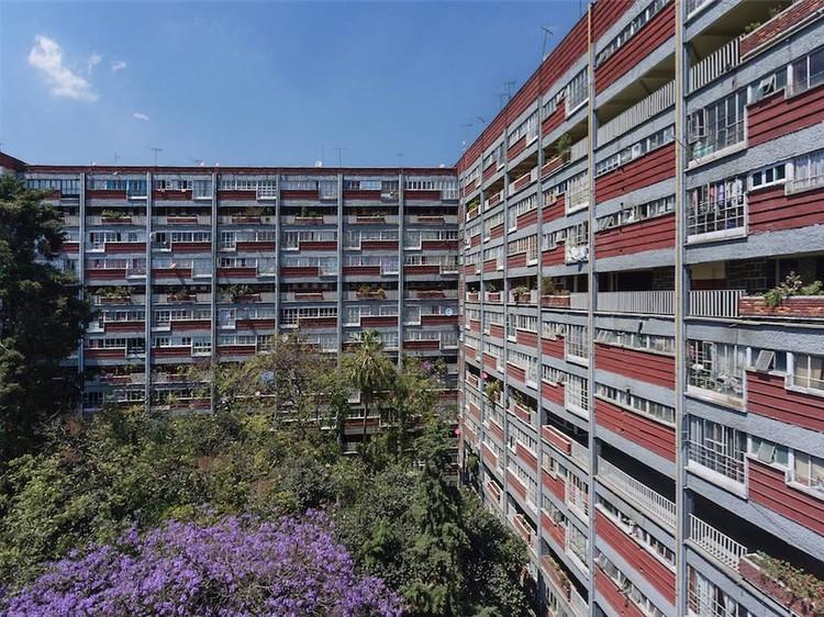 Urbanismo   La centralidad urbana y sus características   Planificación urbana + Ciudad + Movilidad