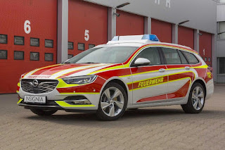 Opel Insignia Sports Tourer Feuerwehr Command Vehicle (2017) Front Side
