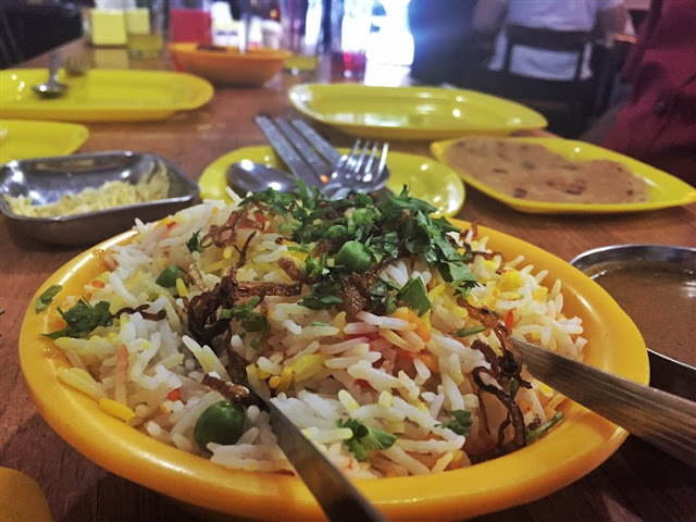 parsi food mumbai ideal chicken pulao