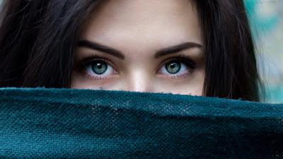 green eyes girl hd resolution wallpaper