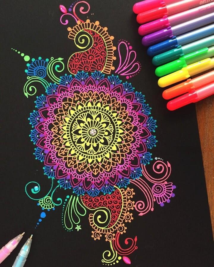 02-Mandala-and-Zentangle-Drawings-Simran-Savadia-www-designstack-co