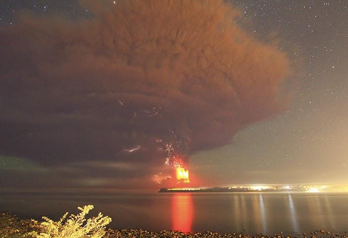 Hihetetlen képek a chilei Calbuco-vulkán kitöréséről /Képekkel és Videóval!/