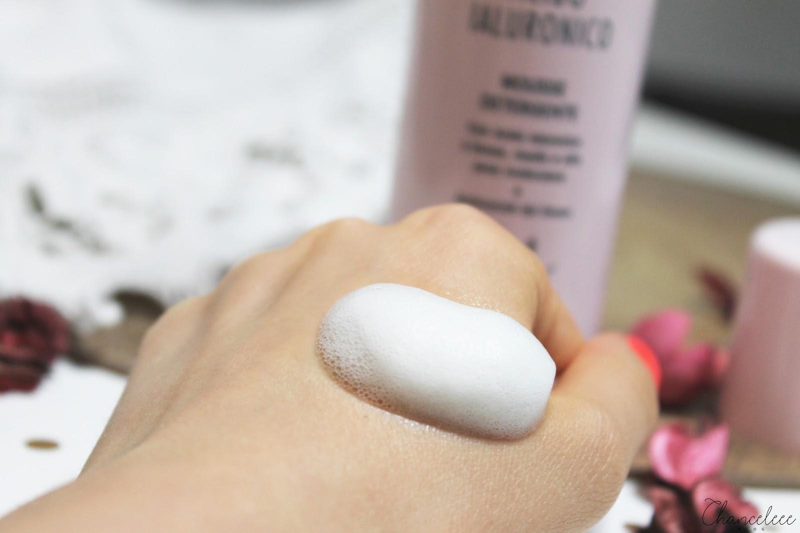L'Erbolario kwas hialuronowy oczyszczający mus do mycia twarzy